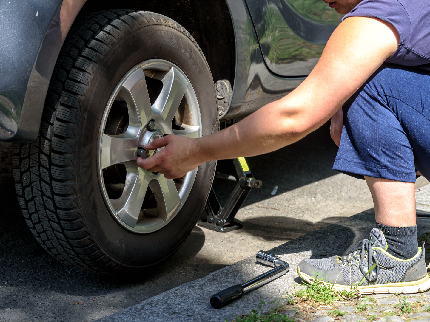 Q&A: Is it safe to change my own tires?